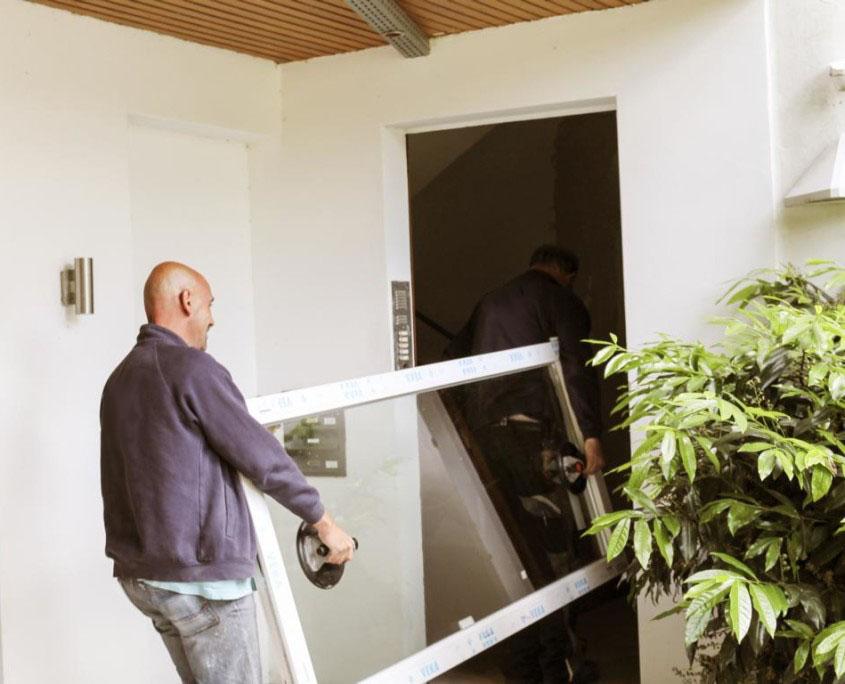 so funktioniert 39 s rundum sorglos paket bei der deutschen fensterbau. Black Bedroom Furniture Sets. Home Design Ideas