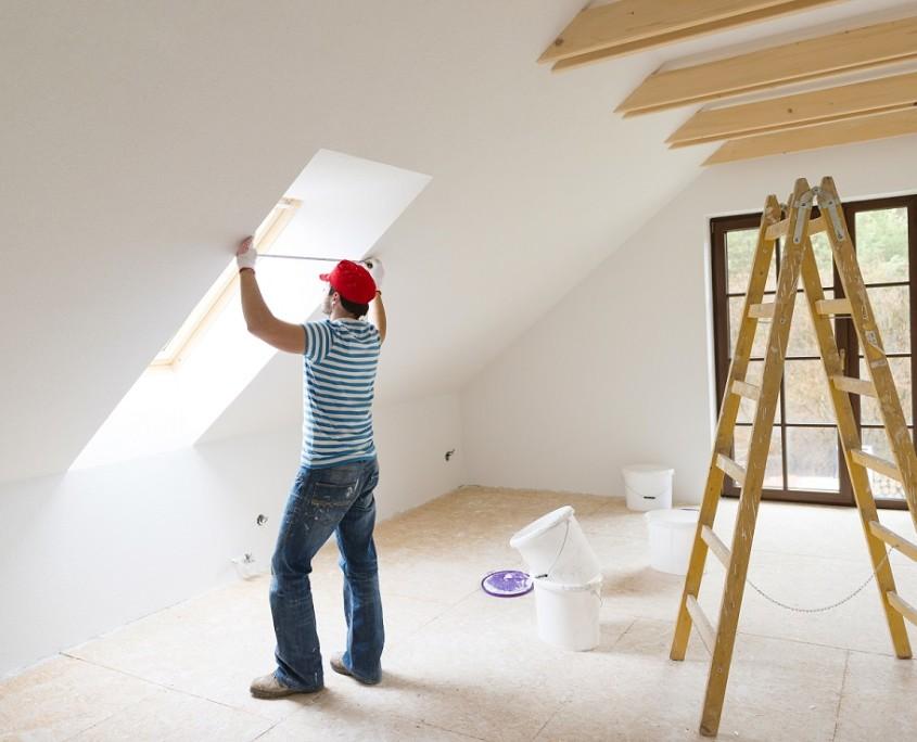 Bei dem Aufmaß der Fenster wird die Mauerlichte und Laibungshöhe ausgemessen, um die Einbaugröße des Fensters zu bestimmen.