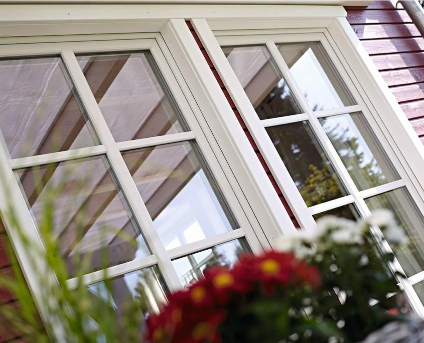Mit Fenstersprossen aus Kunststoff lassen sich historisches Aussehen und moderne Ansprüche verbinden - und das zu einem günstigen Preis.