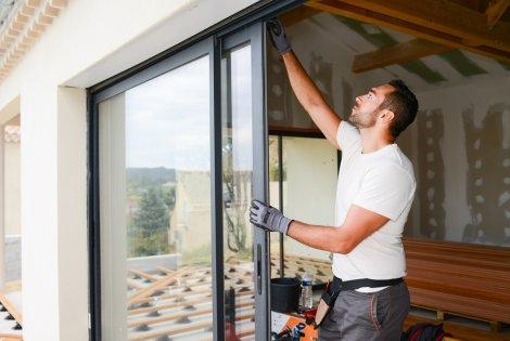 Neue Fenster einbauen und Kosten sparen.