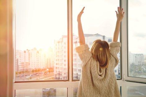 Schallschutzfenster reduzieren den Lärm und können so für einen erholsamen Schlaf sorgen.