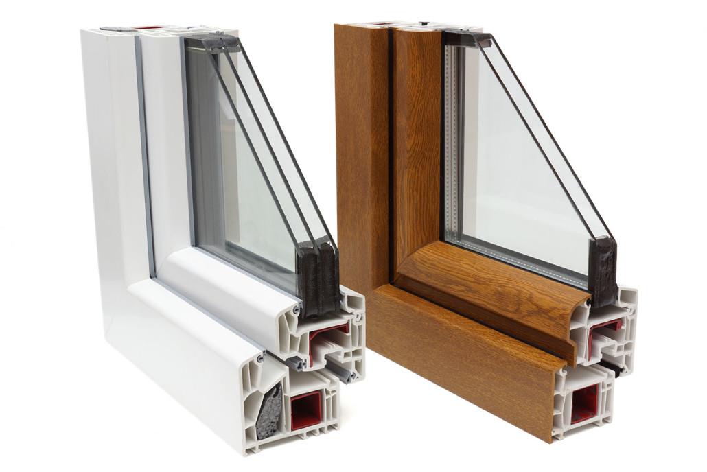 Fenster aus Kunststoff sind in vielen verschiedenen Farben und Holzdekoren erhältlich.
