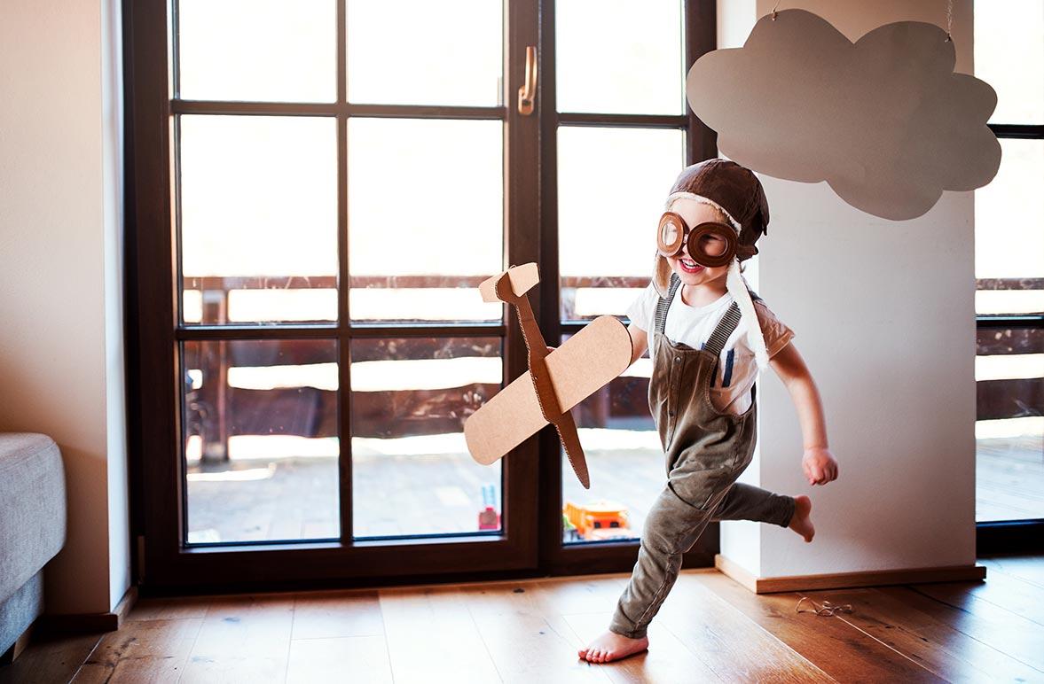 Moderne Kunststofffenster lassen sich den persönlichen Wünschen anpassen: Egal ob in weiß, farbig oder in Holzoptik - der Fantasie sind (fast) keine Grenzen gesetzt!