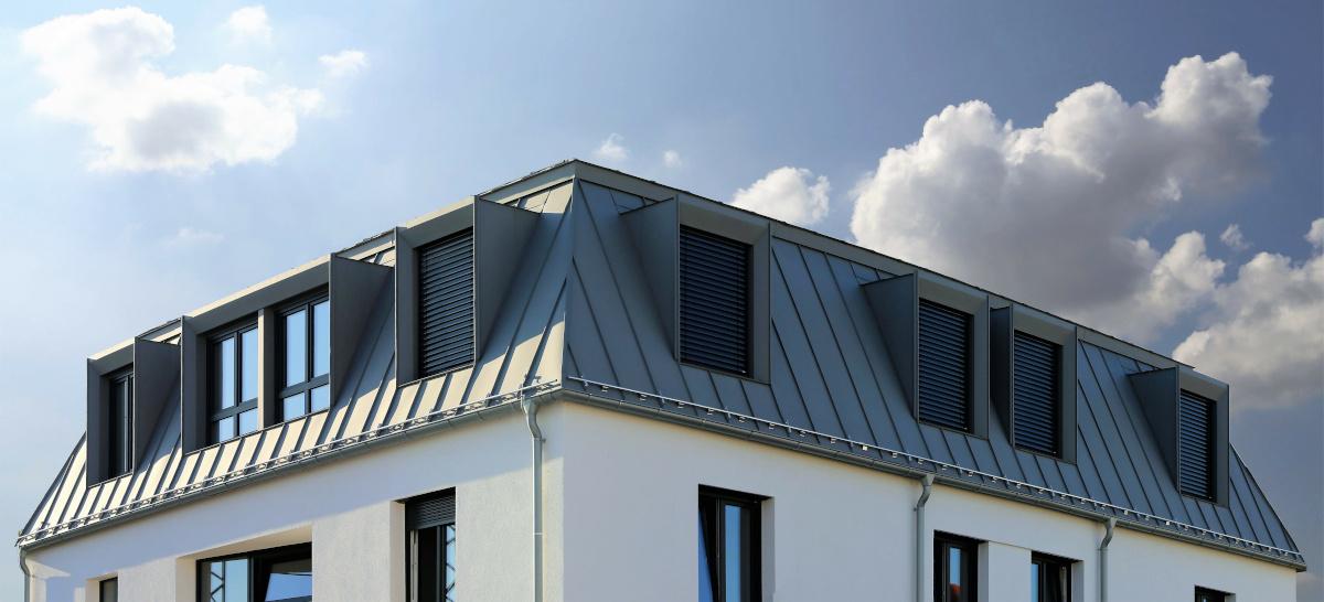 Haus mit Sonnenschutz